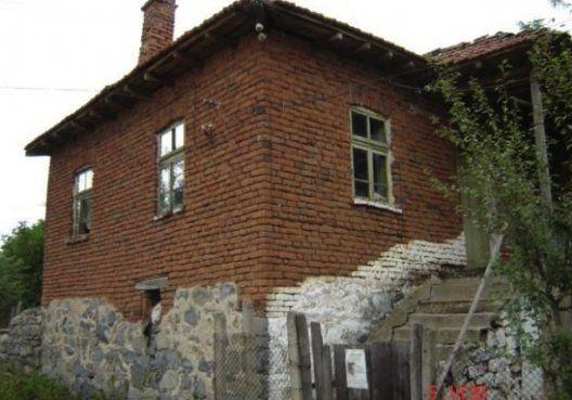 старый дом в болгарии не выдержит землетрясения
